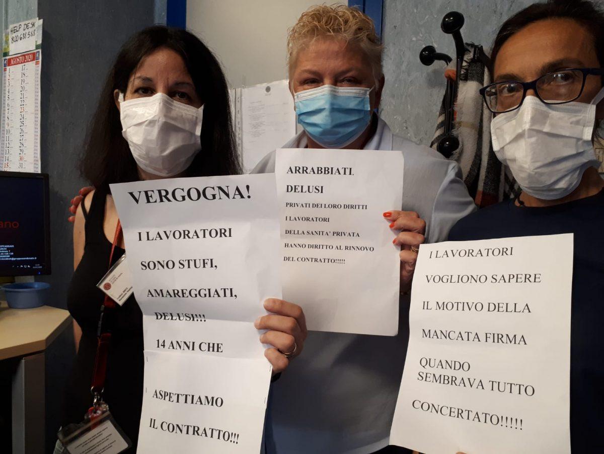 (in foto, lavoratrici e lavoratori della Maugeri di Pavia)